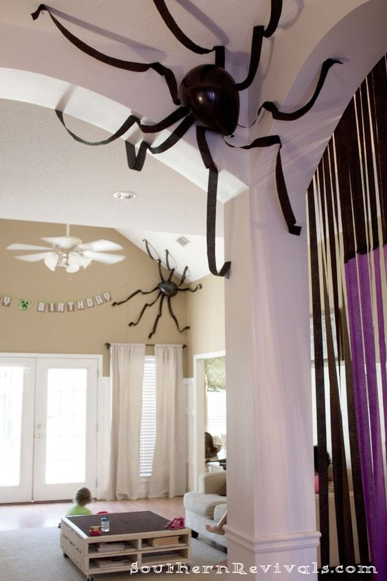 balloon spider decoration