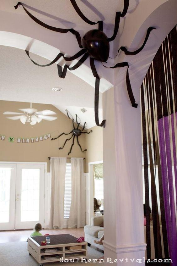 balloon spider decoration
