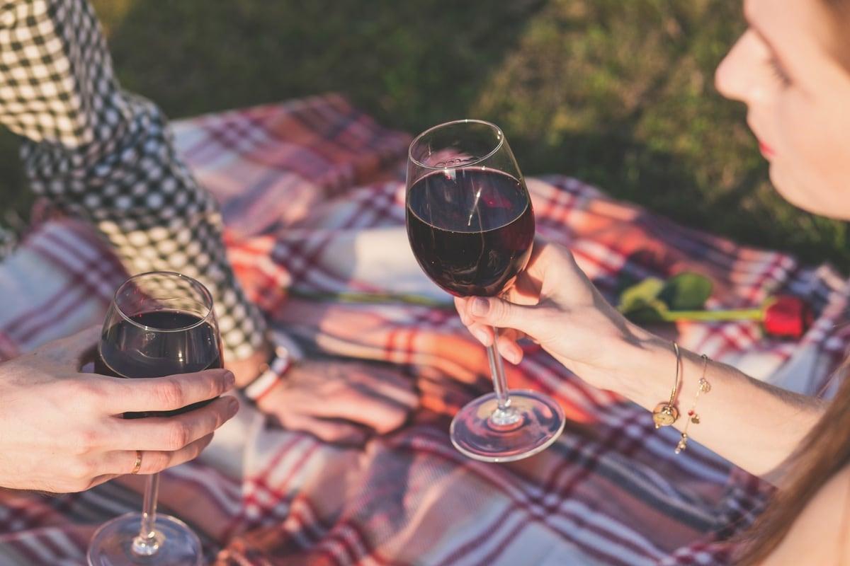mediterranean diet shopping list - wine