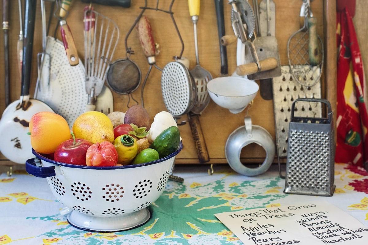 kitchen utensils list - featured