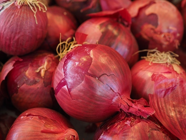 How to Store Onions and Increase Their Shelf Life - Listonic