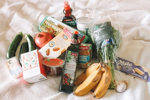 minalist grocery decluttering tips - stick to it