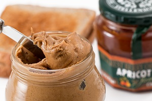 healthy breakfast - peanut butter
