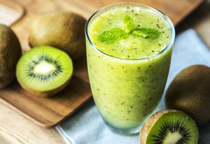 healthy breakfast grocery list - smoothie