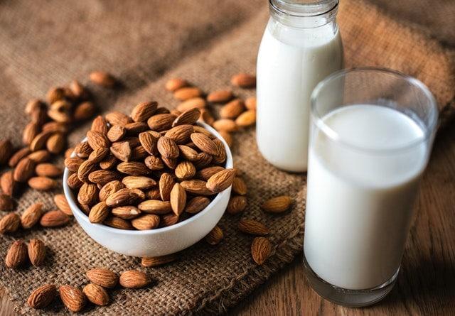 low-iodine diet shopping list - almond milk