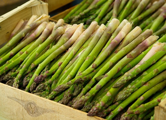 how to store asparagus - counter