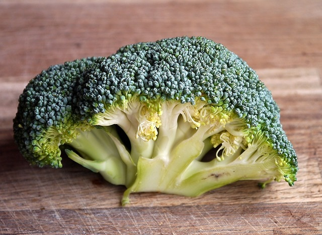 how to store broccoli - counter